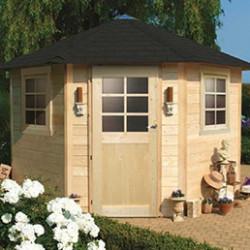 Abris de jardin en bois, d'une surface de 10 à 20 m². Vous pourrez ranger votre matériel de jardinage, vos vélos ou encore votre mobilier de jardin dans votre abri de jardin, qui aménagera parfaitement votre jardin. Nos abris comportent tous une sécurité enfant et peuvent être fermés à clés. Un kit d'aération permet de renouveler l'air au sein de l'abri. Les montages de nos abris de jardin sont très faciles : les profilés en bois sont dotés de languettes et de rainures et s'emboîtent les uns dans les autres, puis se glissent transversalement les uns dans les autres par les angles.